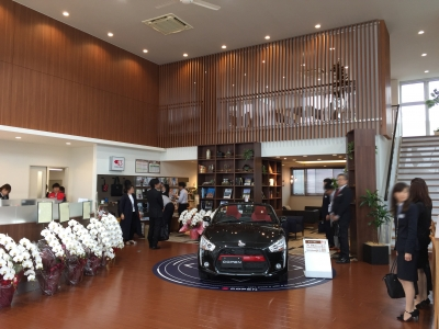 岡山ダイハツ販売さま 本社ショールーム ディスプレイ装飾業務