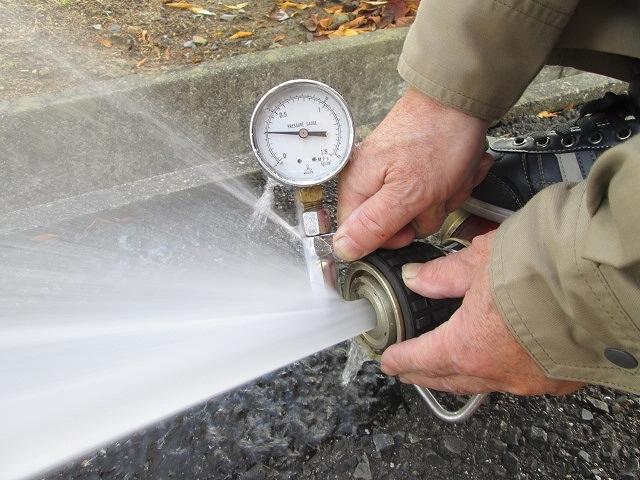 屋外消火栓 放水試験
